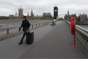 Nije drugi talas već cunami - Britanija: Do sredine oktobra moguće i do 50.000 infekcija dnevno